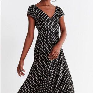 UO Malena Button Front Midi Dress Size Large